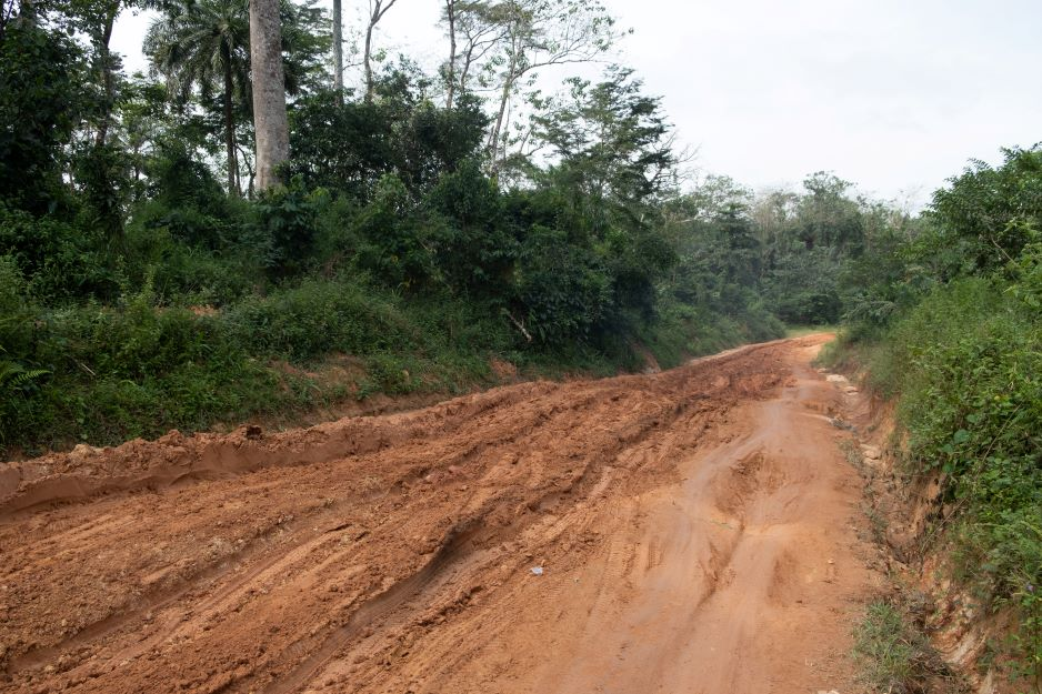 muddy roads on the way to Soa Chiefdom